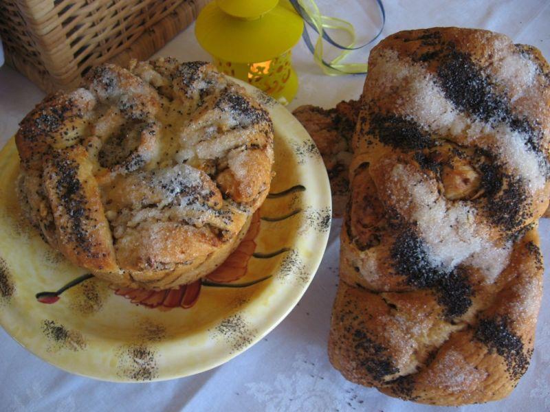 Гръцки Козунак с Плънка от Маково Семе и Орехи
