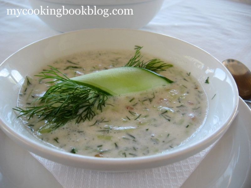 Таратор – Студена Млечна Супа с Краставици, Орехи, Чесън