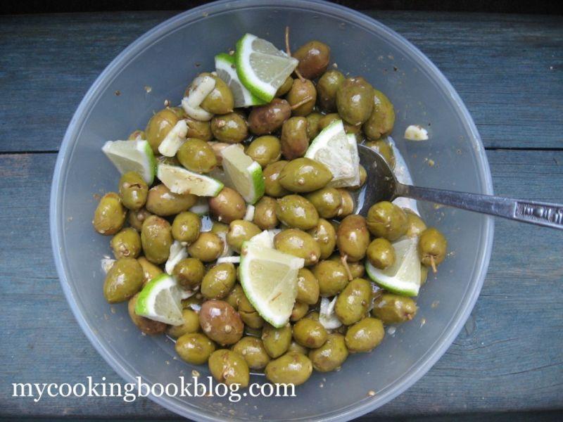 Как се правят Традиционните Кипърски Начукани Зелени Маслини