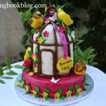 Торта с клетка, цветя и птички