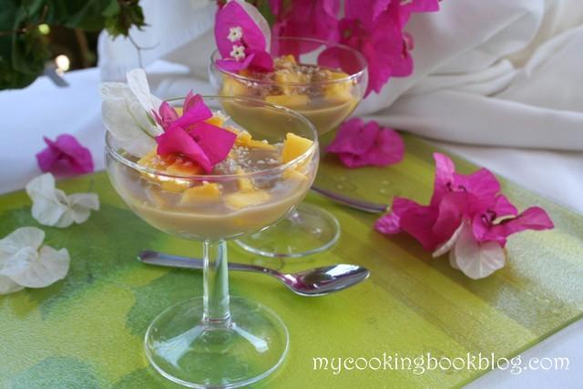 Екзотичен десерт с манго и кокосово мляко