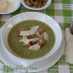 Крем супа от картофи и рукола с пармезан и крутони
