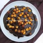 Богата шоколадова торта с лешници