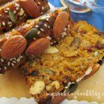 Хляб с овесени ядки, сушени плодове, семена и ядки