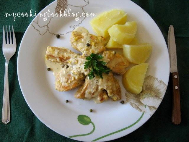 Пилешко филе със сметанов сос и зелен пипер (green peppercorns)