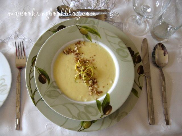 Елегантна лимонова супа с пилешки бульон ориз и орехи
