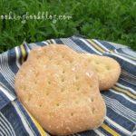Лагана (плосък хляб) със сусамов тахан