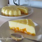Желиран лимонов десерт с праскови