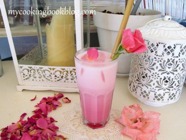 Сироп от рози с прясно мляко